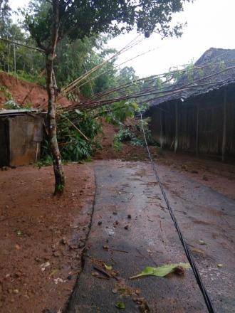 Bencana Tanah Longsor Akibat Hujan Lebat