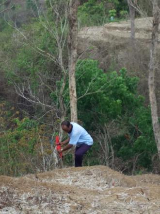 Pemasangan Pathok Tanah OO